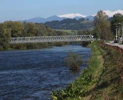 Blick auf die Tatra ab Haus mit dem Fluss Waag-Vah