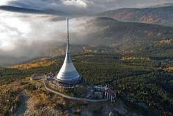 Aussichtsturm Jested-Jeschken - ein Wahrzeichen des Isergebirges