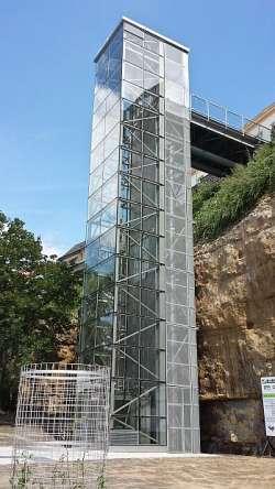Der Aufzug in die Altstadt