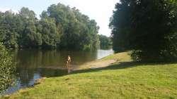 Naturbadeplatz unweit am Fluß Jizera-Iser