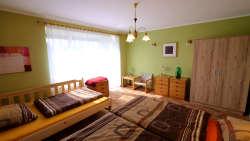 Schlafzimmer 2 : 1xEhebett 2x90x200 + 1xSolobett 130x200