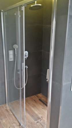2nd bathroom -  shower